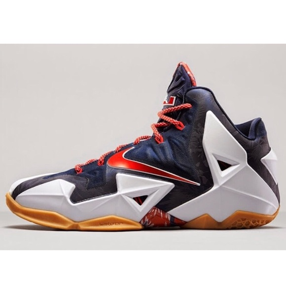 53e28affc6f5 ... LeBron XI independence size 12. M 5be24e8112cd4af09dc41205